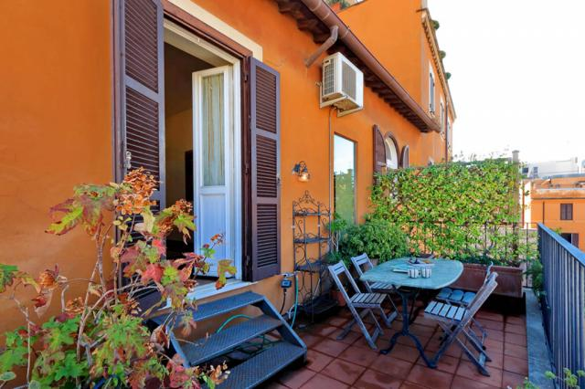 Trevi Comfortable Terrace Apartment